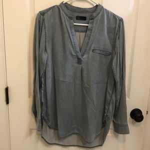 Gap Vneck denim blouse
